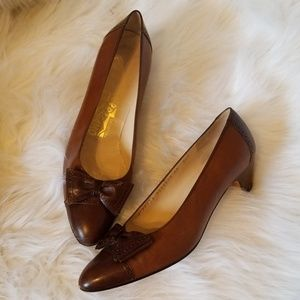 Salvatore Ferragamo leather pumps 10AA